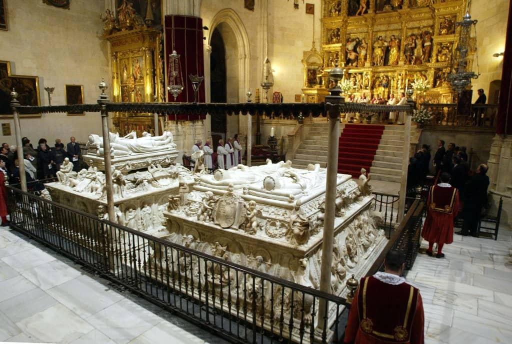mausoleo de los reyes catolicos en la catedral