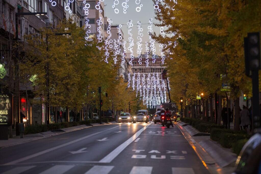 iluminacion navideña en granada de la gran via