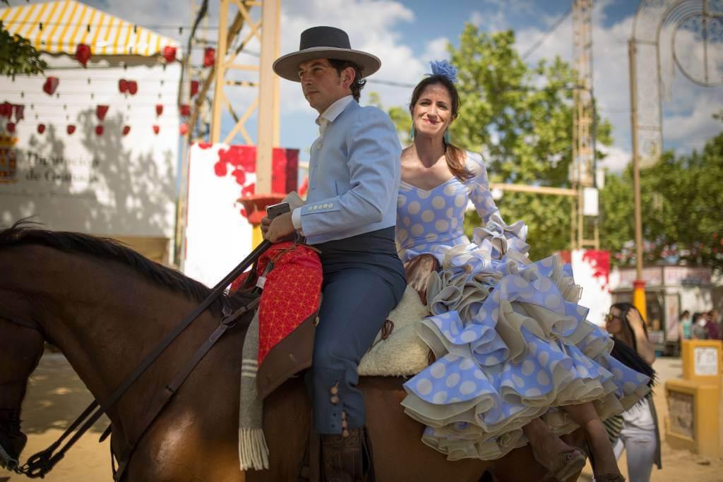 corpus christi Granada con sus desfiles de caballos