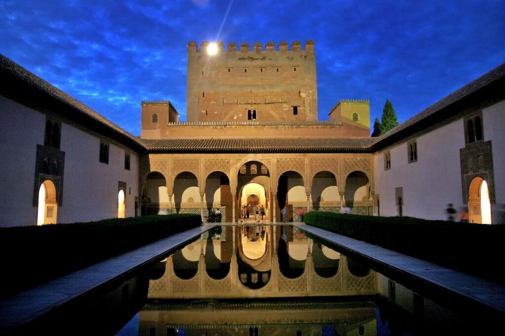 visita nocturna a la alhambra por san valentin